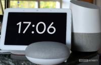 صورة جوجل الرئيسية Hubو Home Mini و Home جنبًا إلى جنب