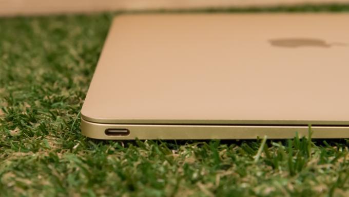 Apple  منفذ MacBook USB-C جديد