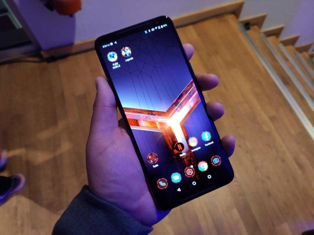 يمكنك الآن طلب أسرع هاتف ذكي يعمل بنظام Android. هذا هو آسوس ROG الهاتف الثاني 2