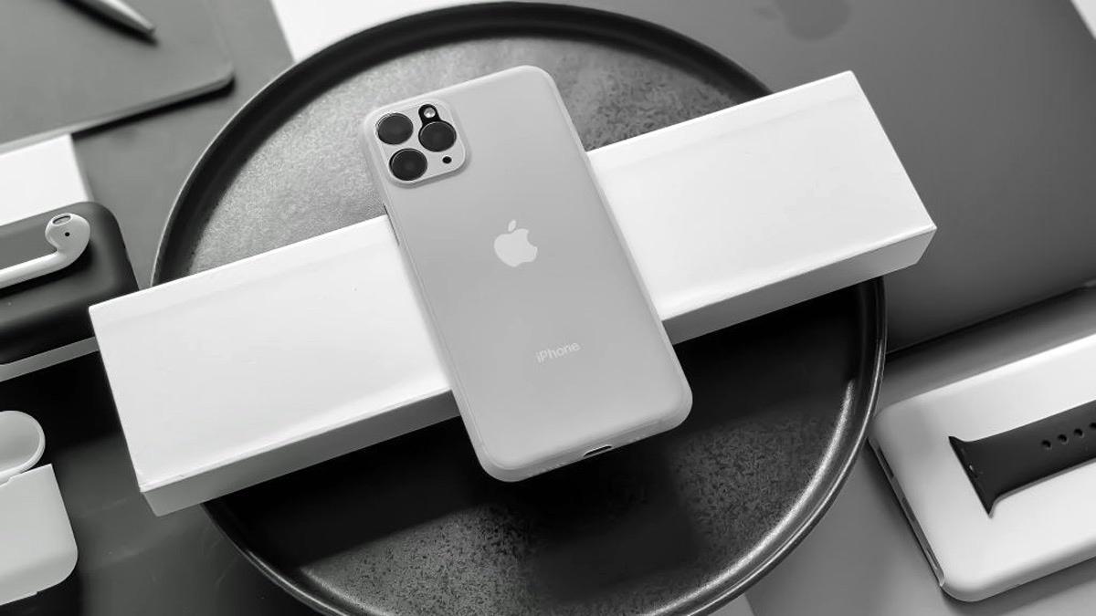 تُظهر الصور المتسربة من الشركة المُصنّعة للحالة تصميمًا أنيقًا لمجموعة iPhone 11 1