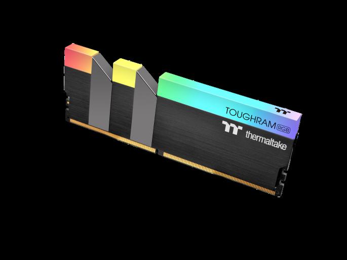 ثرمالتاكي تطلق ذكريات TOUGHRAM RGB DDR4 3600MHz | 3200 ميجا هرتز | 3000 ميجا هرتز 16 جيجابايت 3