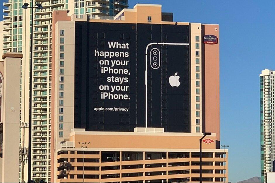 Apple  تعزيز أمن iPhone خلال معرض الالكترونيات الاستهلاكية في لاس فيغاس في يناير الماضي - Apple يعارض كيف وصفت جوجل الضعف iPhone اكتشفت