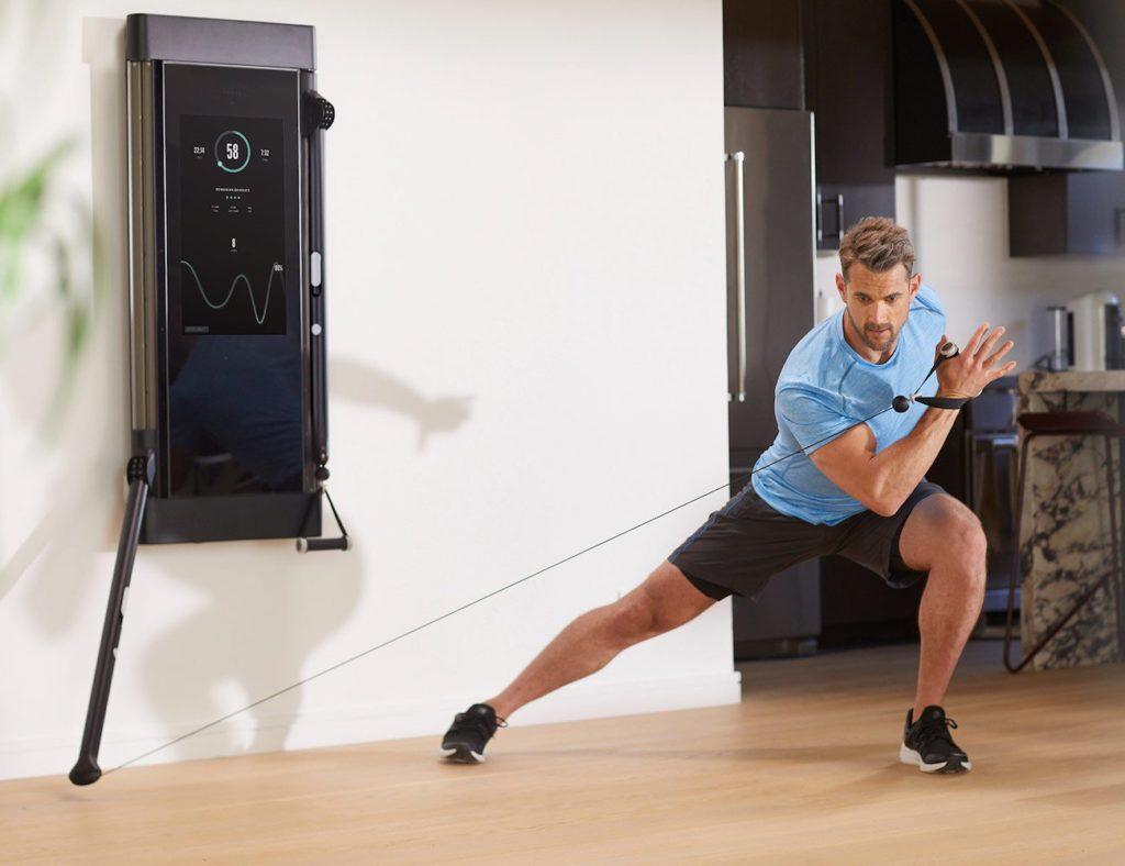 """معدات تمرين داخلي للحفاظ على لياقتك البدنية وصحية - Tonal 03 """"aria-ووصفby ="""" gallery-10-365892"""