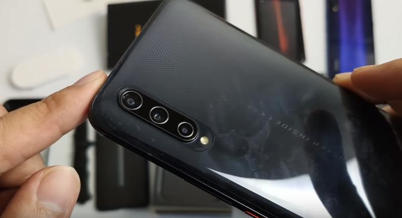 Vivo iQOO Pro 5G Phablet Review: هاتف ذكي بشاشة كبيرة مع توقعات كبيرة 3