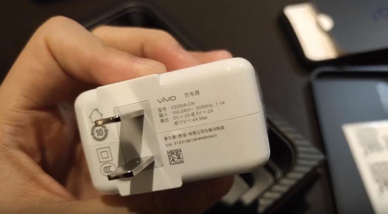 Vivo iQOO Pro 5G Phablet Review: هاتف ذكي بشاشة كبيرة مع توقعات كبيرة 4