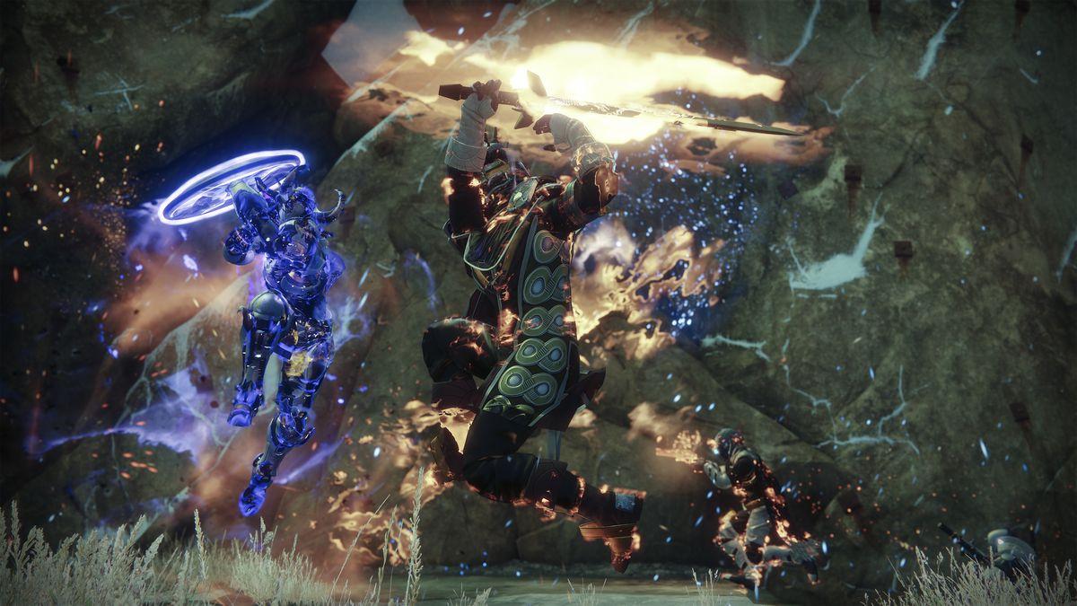 القدر 2: The Dawning - Dawnblade Warlock يقاتل الحارس Titan في مباراة Mayhem Crucible