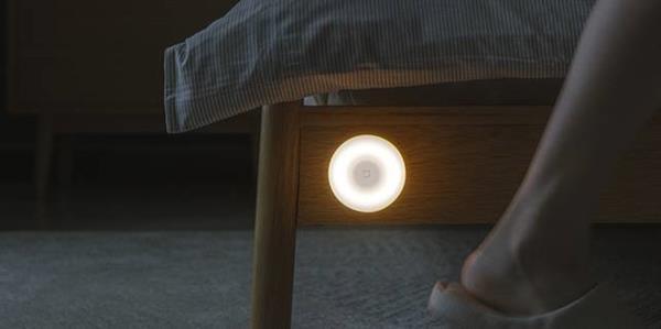 ضوء Xiaomi مثالي: لا يكلف سوى 10 يورو ، ويحتوي على جهاز استشعار بالأشعة تحت الحمراء والبطارية تدوم حتى 15 شهرًا 2
