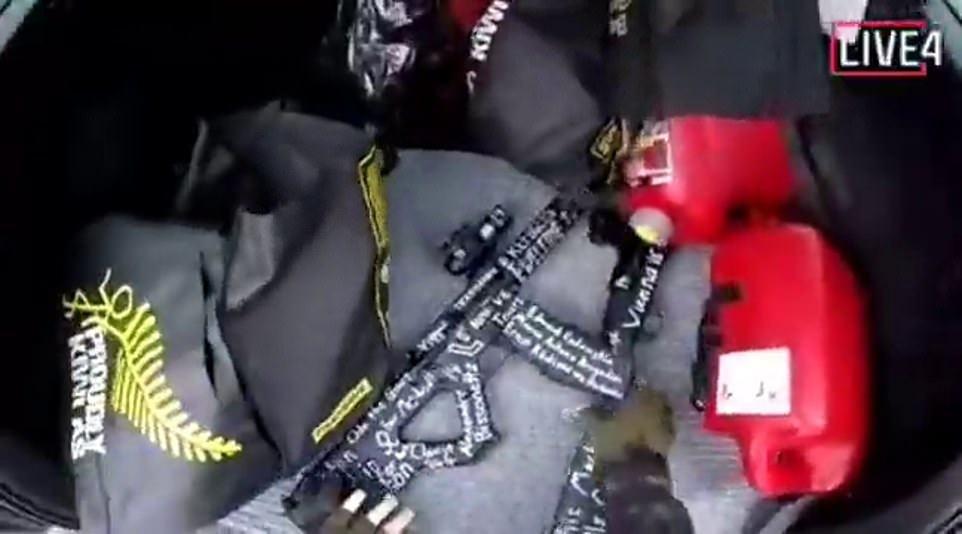 تم نسخ نسخ مقاطع الفيديو أيضًا إلى Facebook بعد الهجوم