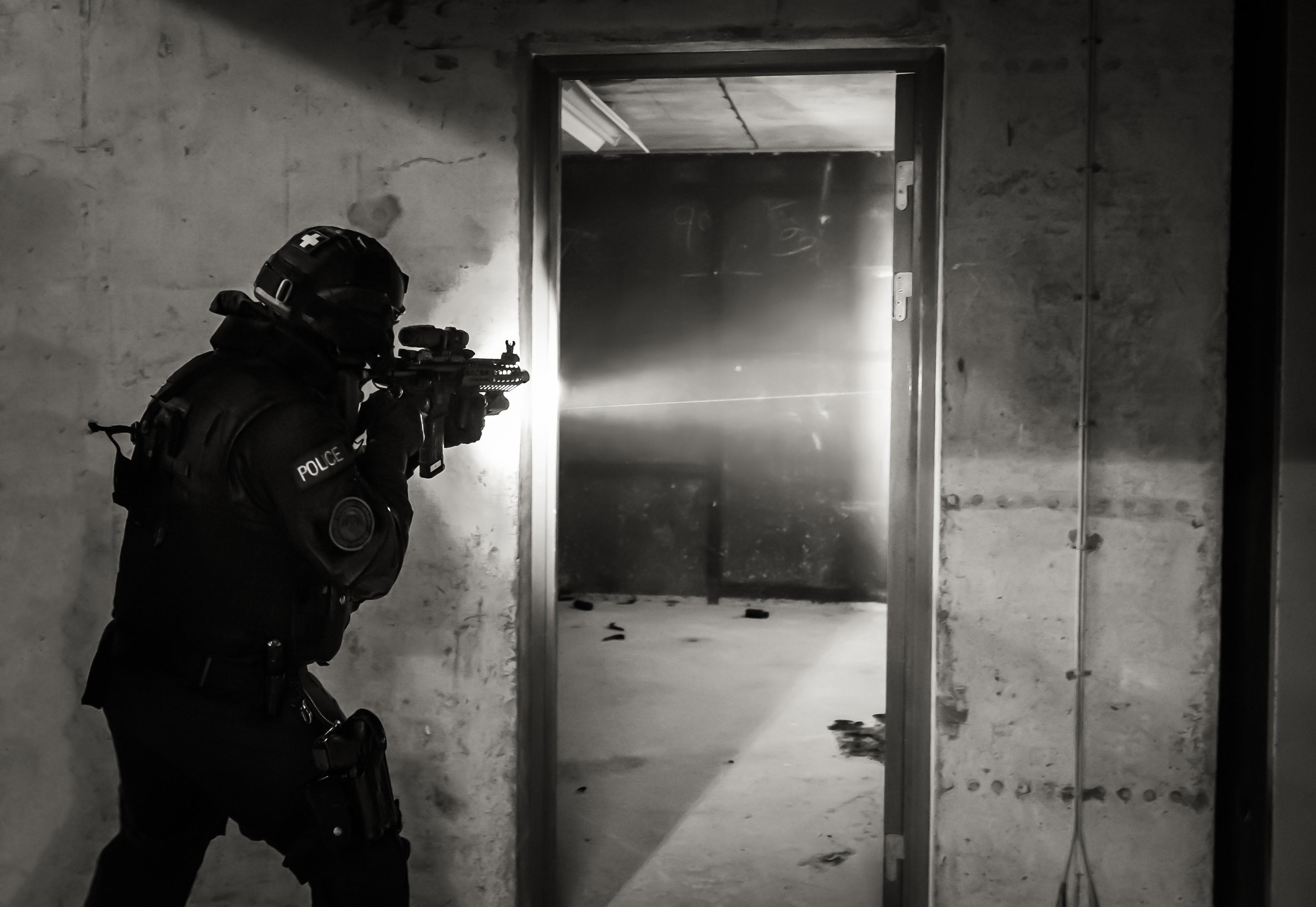 سوف ارتداء الأسلحة النارية الشرطة Facebook- كاميرات الجسم المقدمة خلال الدورات التدريبية