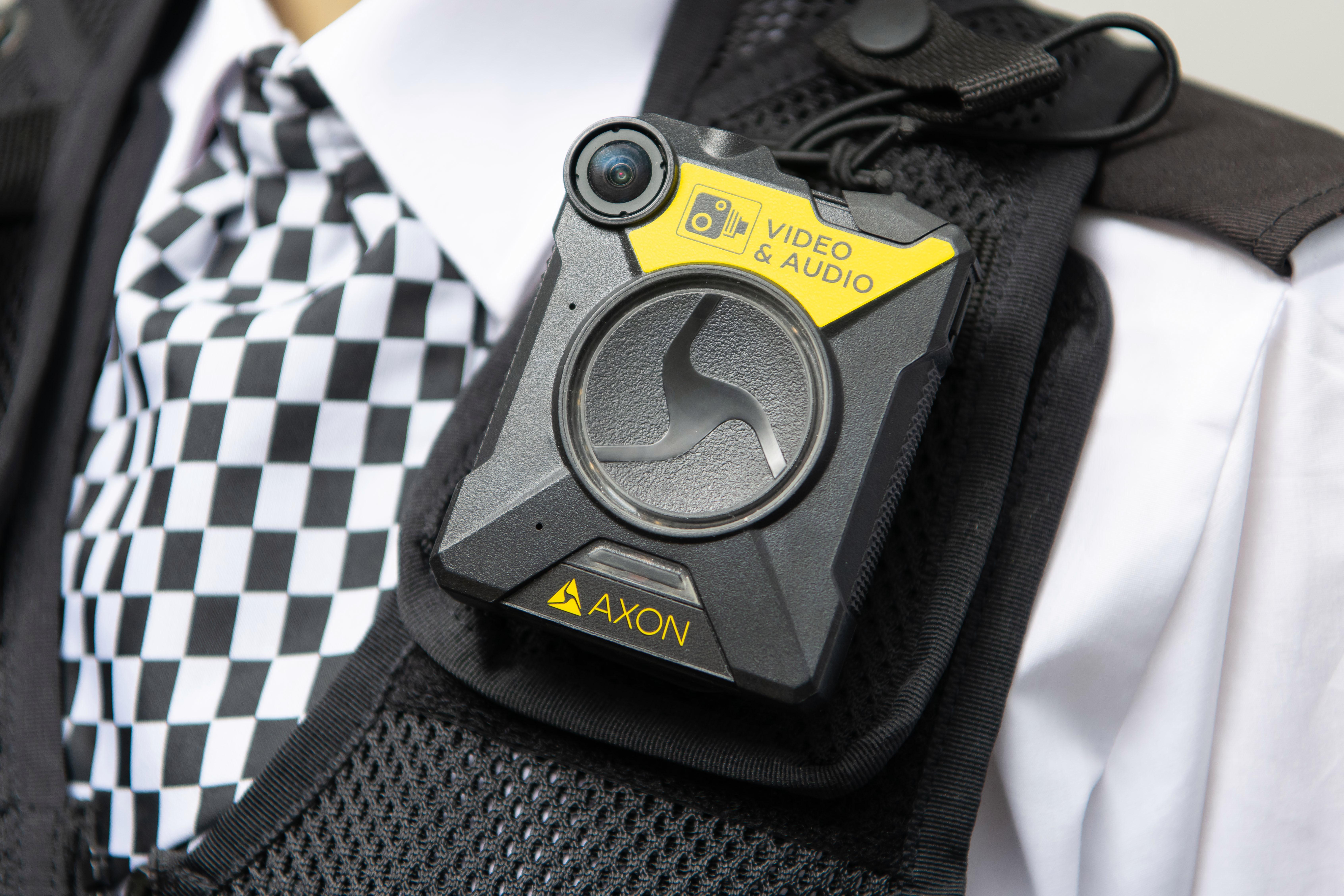 التقى الشرطة ستتلقى كاميرات الجسم من Facebook لاستخدامها أثناء التدريب على الأسلحة النارية