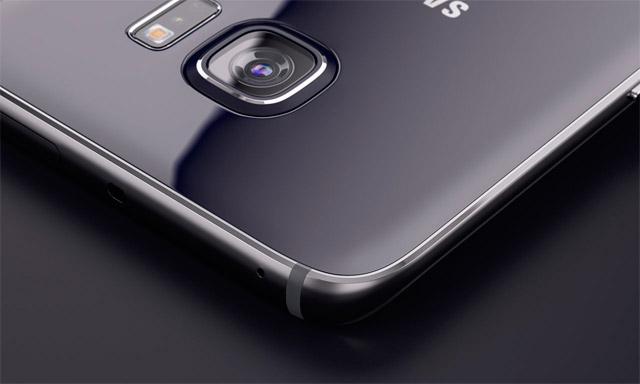 التقديم الصحفي لـ Galaxy يظهر S8 القارئ الرقمي على جانب الكاميرا 1