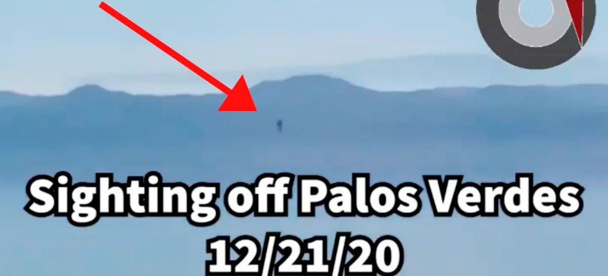 رجل يرى طائرة نفاثة تحلق في كاليفورنيا مرة أخرى - شاهد الفيديو 1