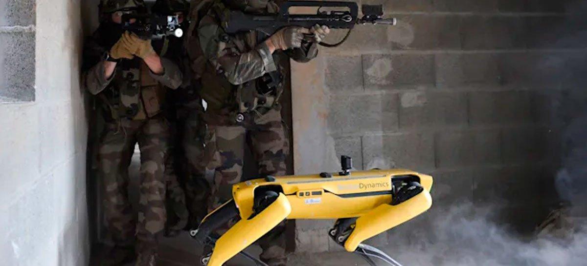 شاهد الكلب الآلي من Boston Dynamics أثناء التدريب مع الجيش الفرنسي 1