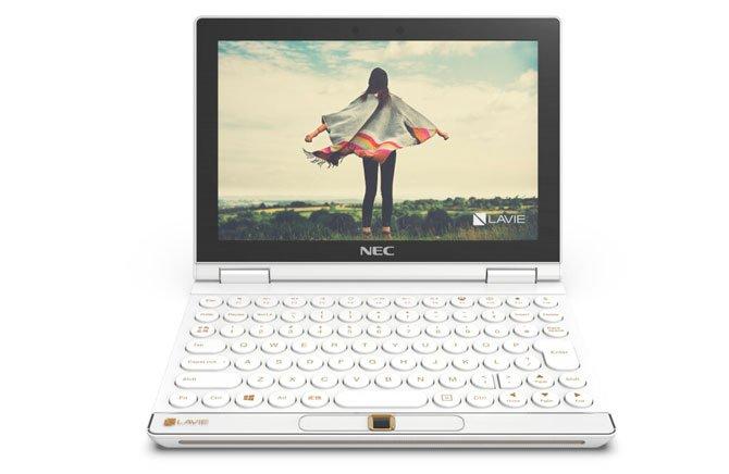 تتميز Lenovo بشاشات Yoga AIO 7 و L24i-30 و L27e-30 و LAVIE Pro Mobile و LAVIE MINI 6