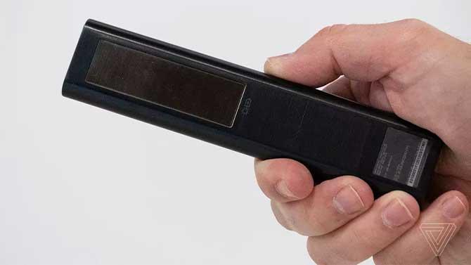 سامسونج تكشف عن جهاز تحكم عن بعد خالٍ من البطارية يتم شحنه باستخدام الطاقة الشمسية 2