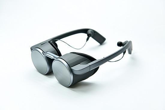 تدعم نظارات الواقع الافتراضي الجديدة من باناسونيك HDR و 4 K والتصميم المستقبلي 2