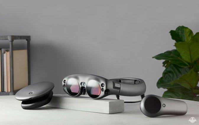 يتم تخزين نماذج نظارات الواقع المعزز Magic Leap One في خزائن 2
