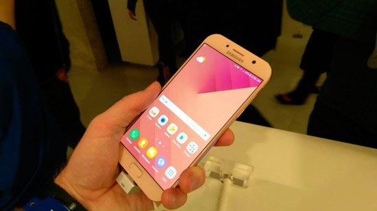 سامسونج تطلق جيل 2017 من Galaxy A5 و A7 في البرازيل بأسعار تبدأ من 2099 ريال برازيلي 3